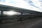 Дорожные и мостовые ограждения барьерного типа